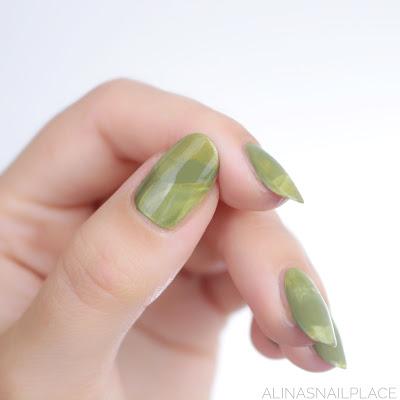 green nailart marble nails zoya